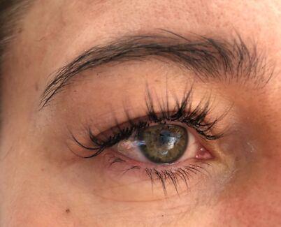 Eyelashes extension $49