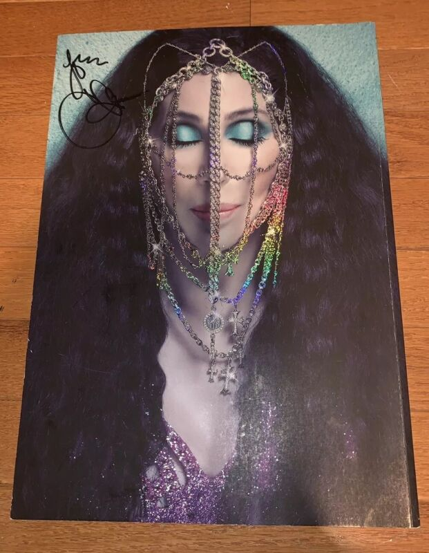 CHER 2014 DRESSED TO KILL TOUR CONCERT PROGRAM BOOK AUTOGRAPHED TWICE