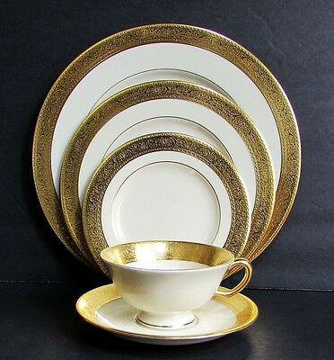 Lenox Westchester Gold Encrusted Fine China 5 Piece Place Setting (s) EXCELLENT