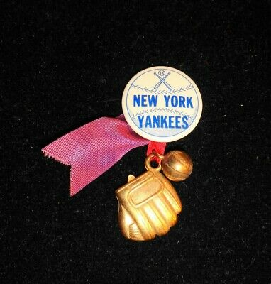 VINTAGE 1950S NEW YORK YANKEES PINBACK BUTTON W/ RIBBONS BRASS BALL GLOVE CHARMS