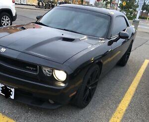 """2010 Dodge Challenger SRT8, low km, 22"""" rims"""