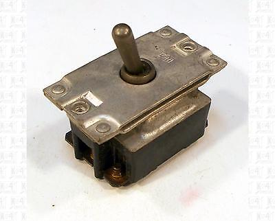 Cutler Hammer 3pst Toggle Switch 125 Vac 15 Amp An3226-2