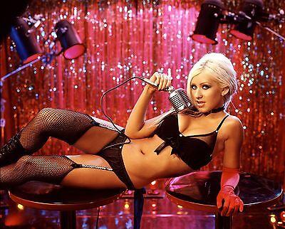 Christina Aguilera Unsigned 8x10 Photo (23)