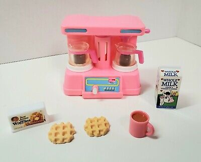 Barbie Kitchen Littles Action Accents RARE COFFEE MAKER MUG WAFFLES MILK Food