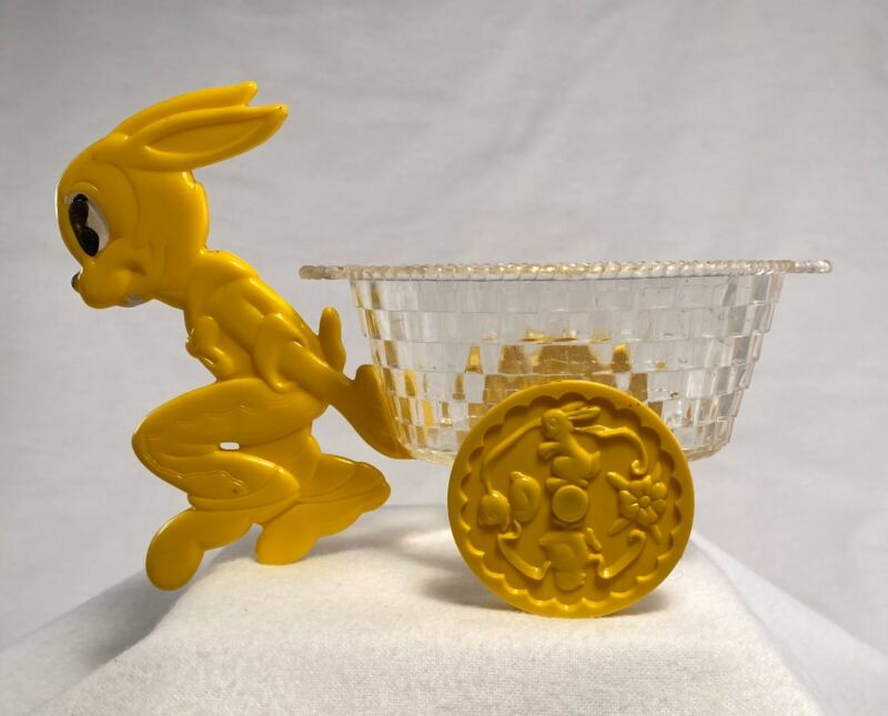 Vtg Hard 50s Plastic  EASTER BUNNY Rabbit Pulling Cart Candy Basket Container