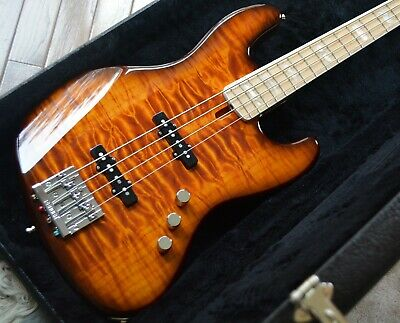Fender American Original '70s Jazz Bass, Quilt Maple on Mahogany Body