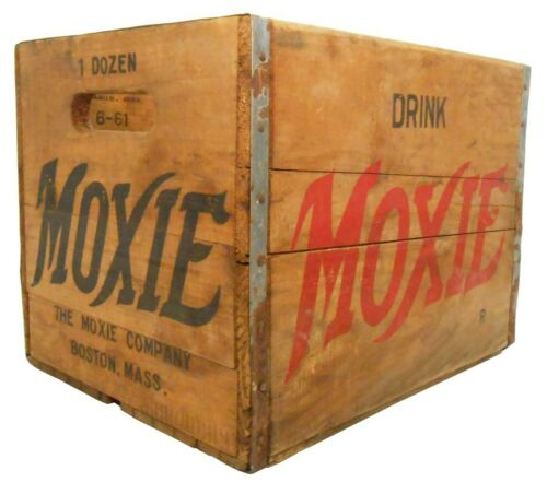 RARE MOXIE MID-20TH C VINT 1961 WOOD BOX SODA CRATE, W/RED/BLACK STMPD INK SIDES