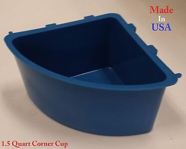 6 pcs 1.2 Quart / 38 fl oz Blue Corner Cup Hanging Feed Water Cage Cups Poultry