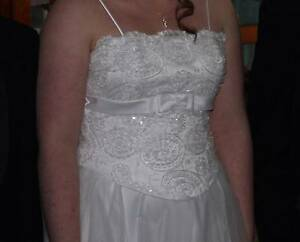 Wedding Gown (White) size 14 Detailed bodice Berwick Casey Area Preview
