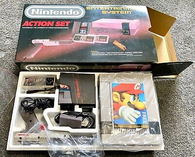 Nintendo NES Action Set w/ Box Complete Gaming System!!