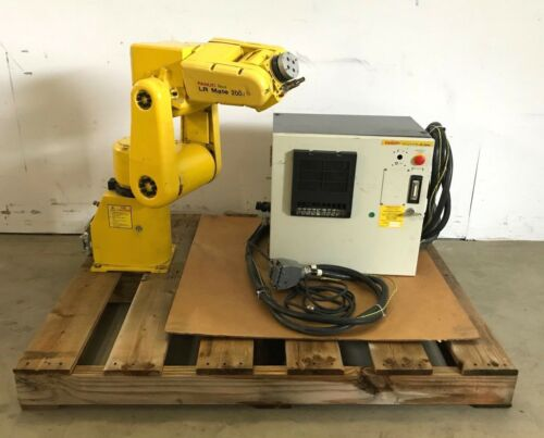 Fanuc LR Mate 200i Robotic Arm A05B-1135-B001 A05B-2332-B001 w/ Control Cables