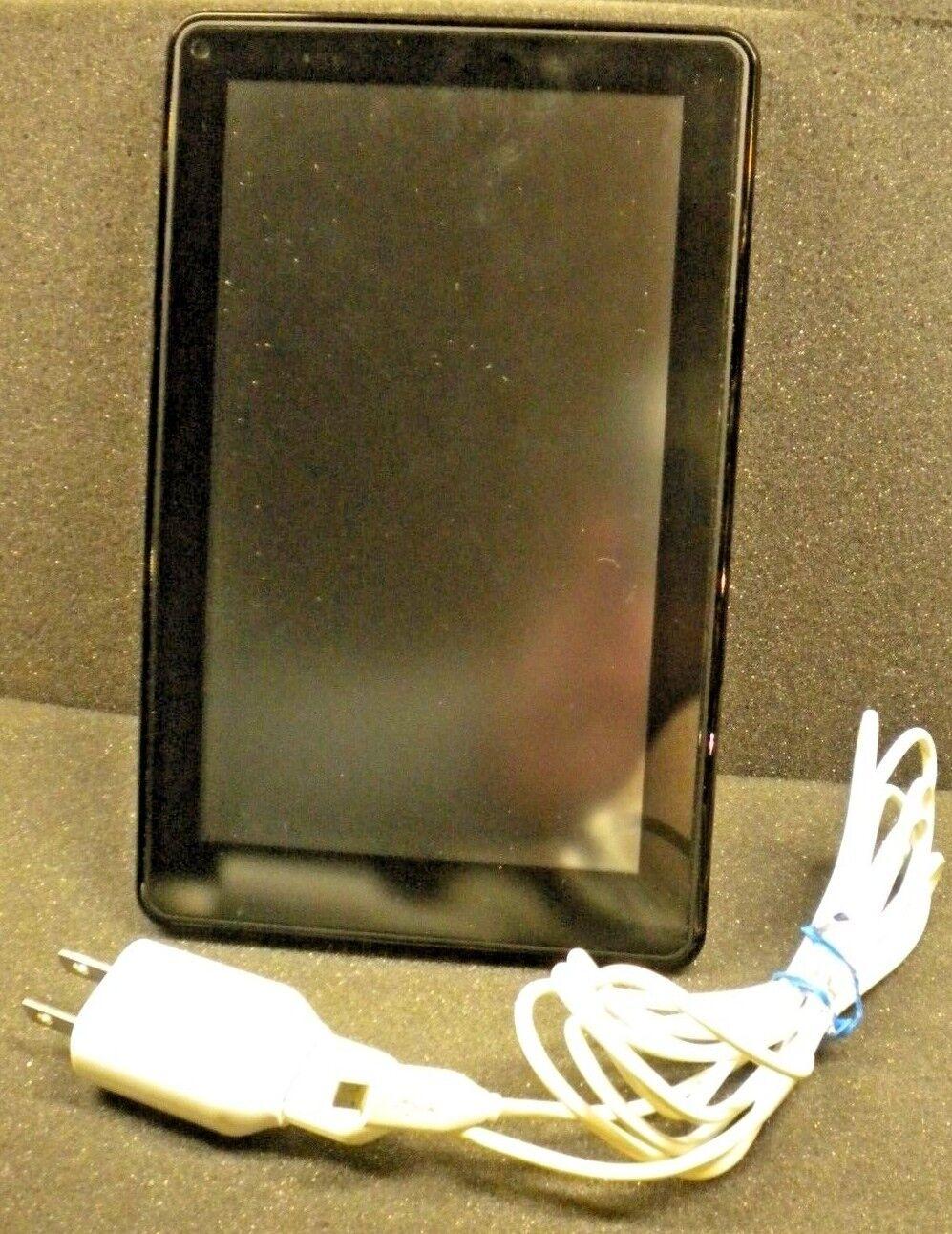 Amazon Kindle Fire (1st Gen, D01400) - 8GB, Wi-Fi, 7in - Bundle - Black - USED