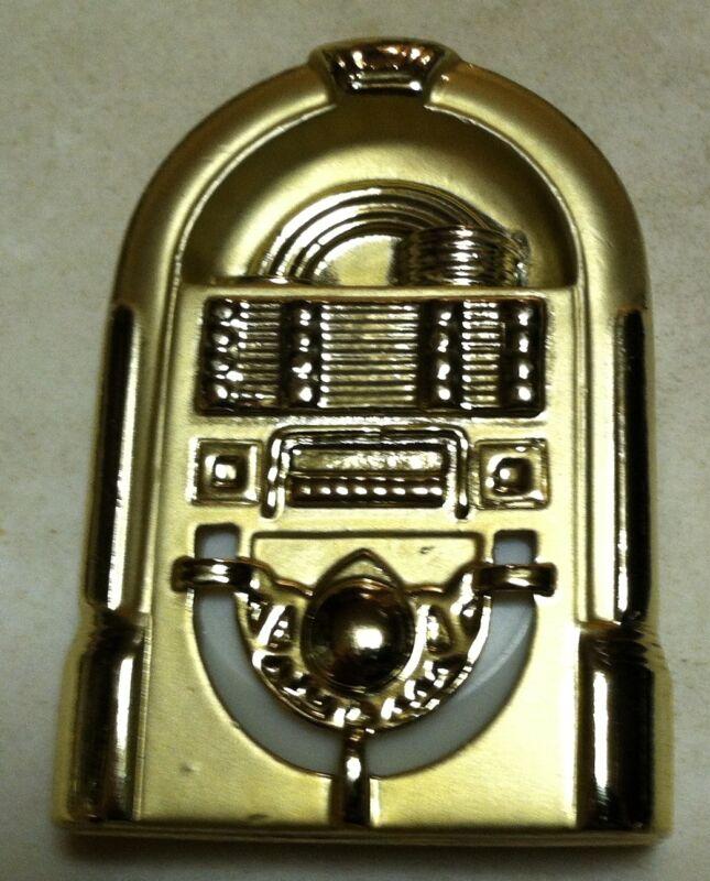 Juke Box - coat pin