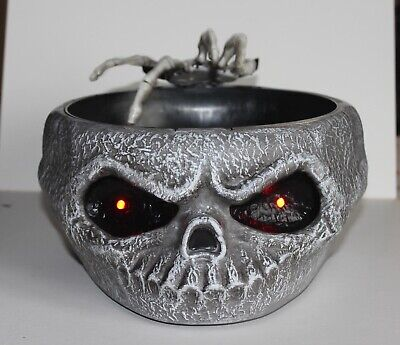 Halloween Skeleton Hand Prop (HALLOWEEN ANIMATED TALKING SKULL SKELETON HAND CANDY DISH GOTH MOTION)