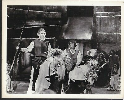Peter O'Toole James Coco closeup in Man of La Mancha 1972 movie photo