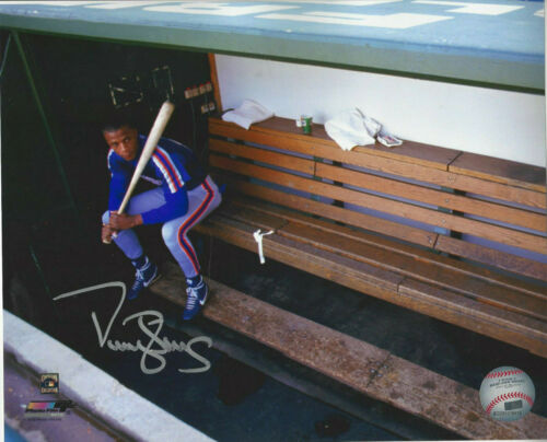 New York Mets Darryl Strawberry  autographed 8x10 on the bench  color photo