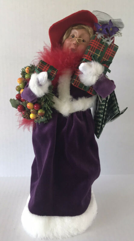 Vintage Byers Choice Caroler Red Hat Society Woman 2004 Signed Holding Gifts