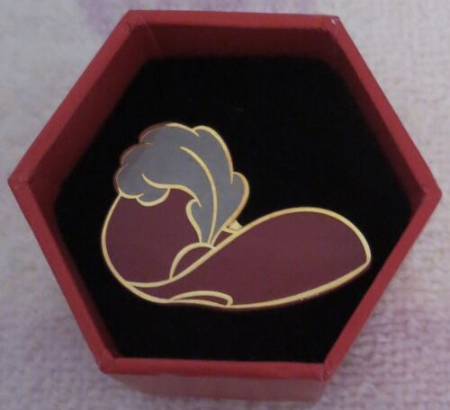 New Walt Disney World Captain Hook Hat Box with Pin Cast Member Exclusive 2003
