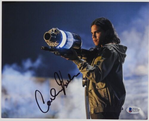 Carlos Valdes The Flash Cisco Autograph Signed Photo Beckett BAS Photo