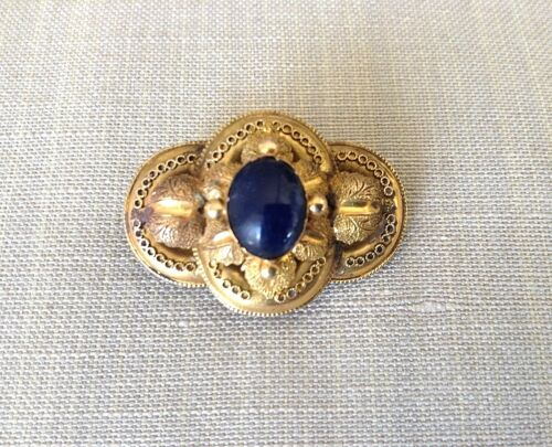 Antique 18K Yellow Gold Hand Chased Brooch Pin w/ Oval Cabochon Sapphire 3.6g