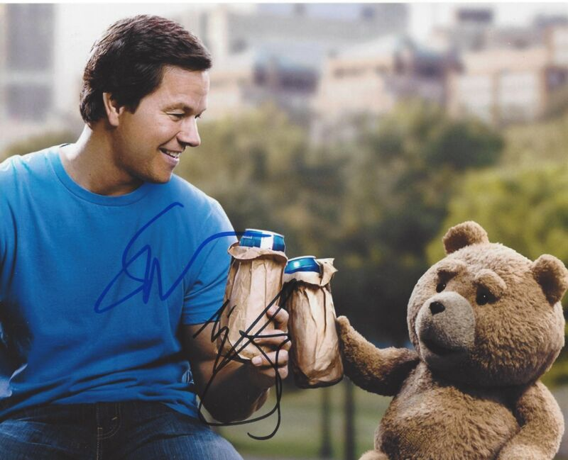 MARK WAHLBERG SETH MACFARLANE SIGNED TED 2 BEST FRIENDS 8X10 PHOTO A W/COA
