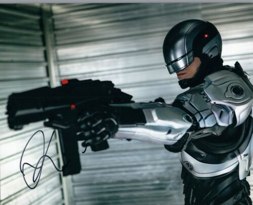 Joel Kinnaman Signed Autographed 8x10 Photo Robocop Suicide Squad COA VD