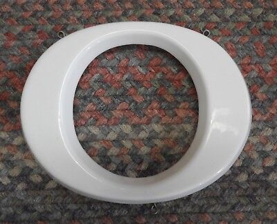 Vtg  White Plastic Hanging Letter O Store Sign Spell Out Alphabet 8 3 4  Capital