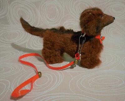 Hund Dackel alt Pappemache mit Fell überzogen z.B. für Puppenstube