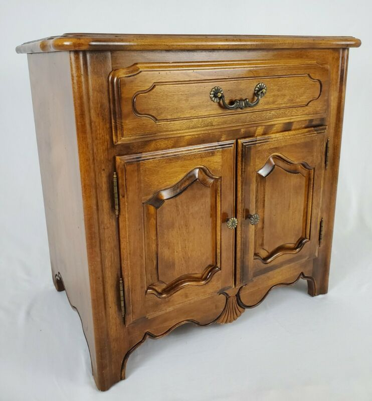 Vintage Ethan Allen Country French Nightstand Commode Model 26-5316 Finish 236
