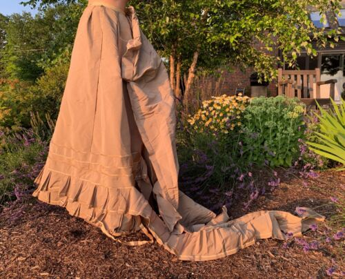 Stunning Antique Silk Victorian Skirt French Woman