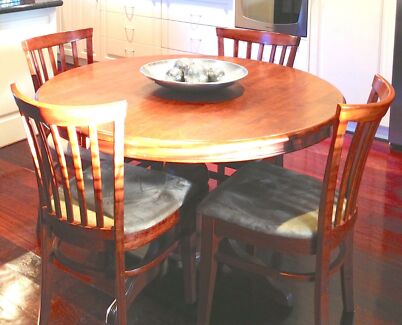 Dining table with 6 chairs Bayonet Head Albany Area Preview
