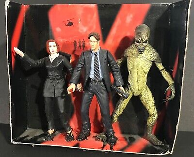 X FILES Action Figures Trio 6 in Scully Mukden Attack Alien Open Box McFarlane