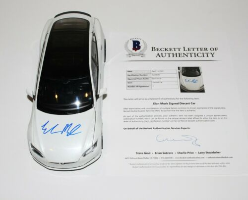TESLA SPACEX FOUNDER ELON MUSK SIGNED DIECAST 1:18 SCALE MODEL S CAR BECKETT COA