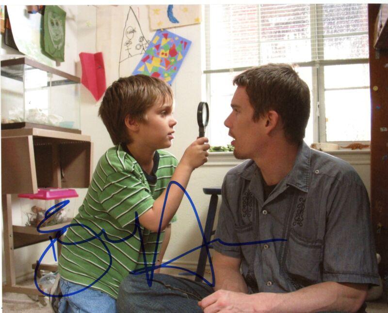 """Ethan Hawke """"Boyhood"""" AUTOGRAPH Signed 8x10 Photo B ACOA"""