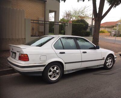 BMW 320i 1994 auto
