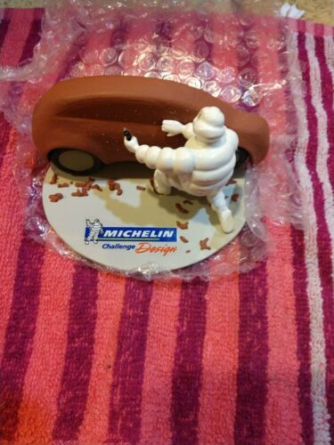 2011 Michelin Man Challenge Design Collectible Figure Car 153/175
