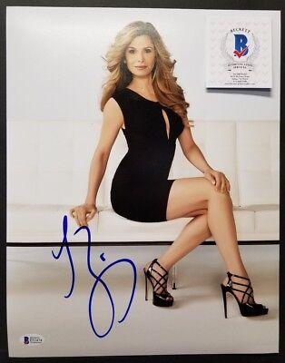Kyra Sedgwick Signed Autographed The Closer 11X14 Photo  Bas Beckett