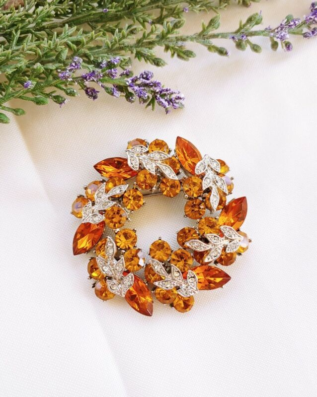 (W) vintage Wreath Circle Round Cluster ORANGE Clear Leaf Rhinestone Brooch Pin