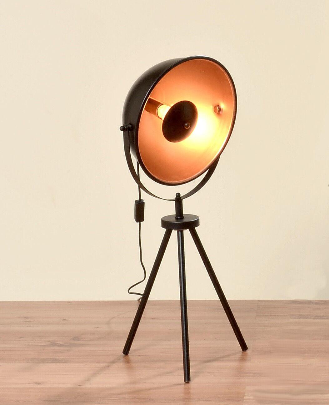 Stehlampe Studiolampe Retro Dreibein Scheinwerfer schwarz/gold verstellbar