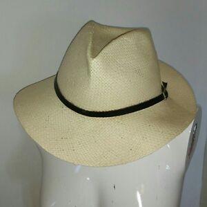 Sombrero-de-rafia