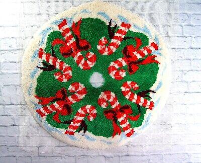 "Vtg ""Candyland"" completed Christmas Tree Skirt Bucilla Latch Hook Rug 38"""