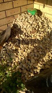 Rock mulch, yellow rocks - Free Glenorchy Glenorchy Area Preview