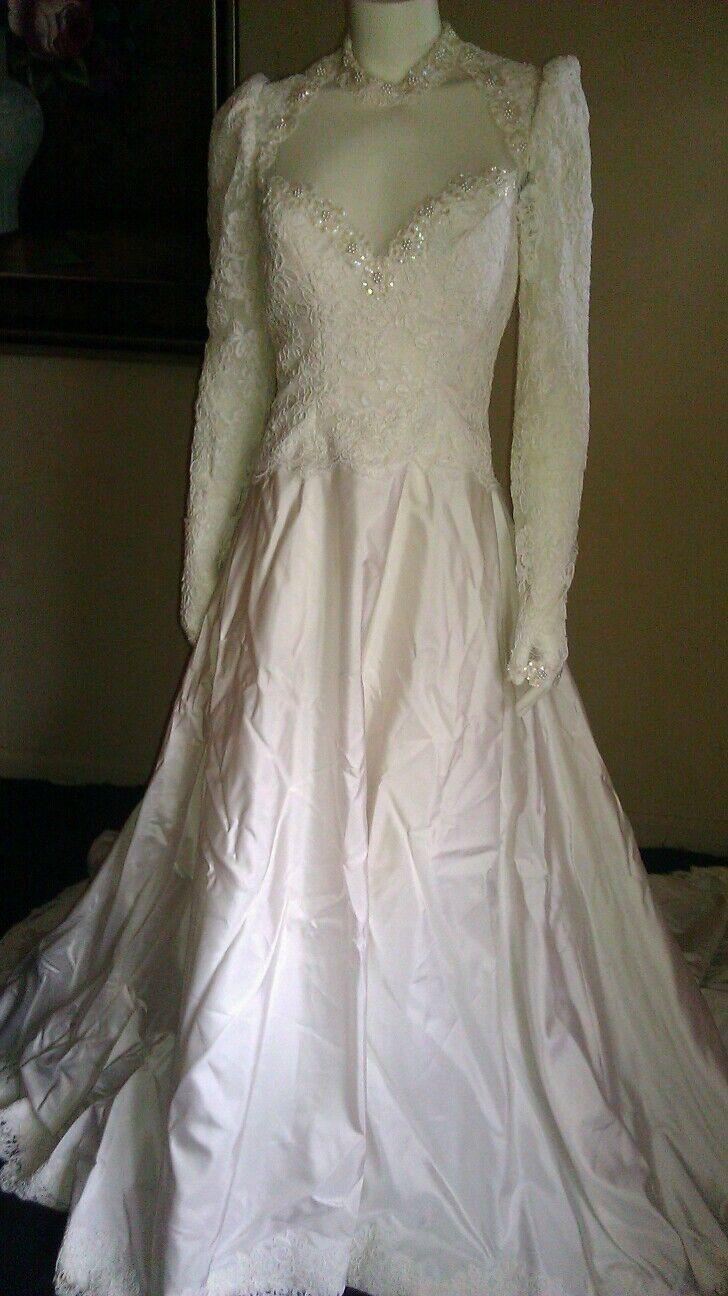 Beautiful vintage priscilla of boston wedding dress for Priscilla of boston wedding dresses