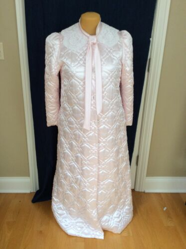 VINTAGE BEAUTIFUL PINK SATIN QUILTED ROBE, LUXURIOUS FULLY LINED, NEVER WORN