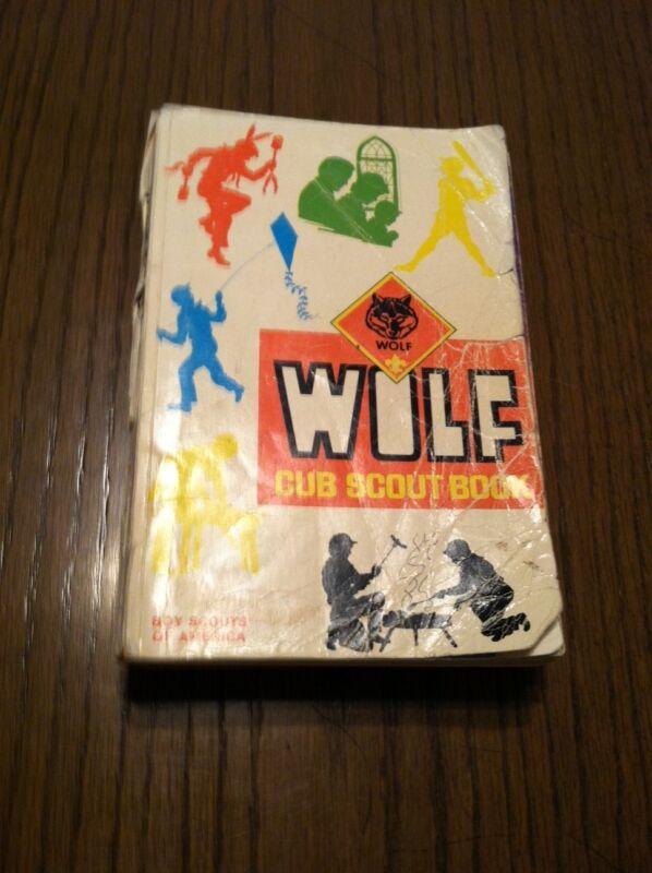 4 VINTAGE WOLF CUB SCOUTS BOOKS