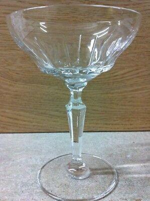 6 coupes à champagne Mod GOETHE taillé - cristal. H: 132 mm   Val Saint Lambert