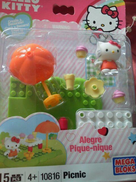Mega Bloks 10816 Hello Kitty Picnic 15pc Set. Bnip.