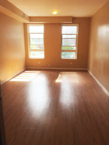 **More Than Just A 1 Bed Rental!!!!** 117K4