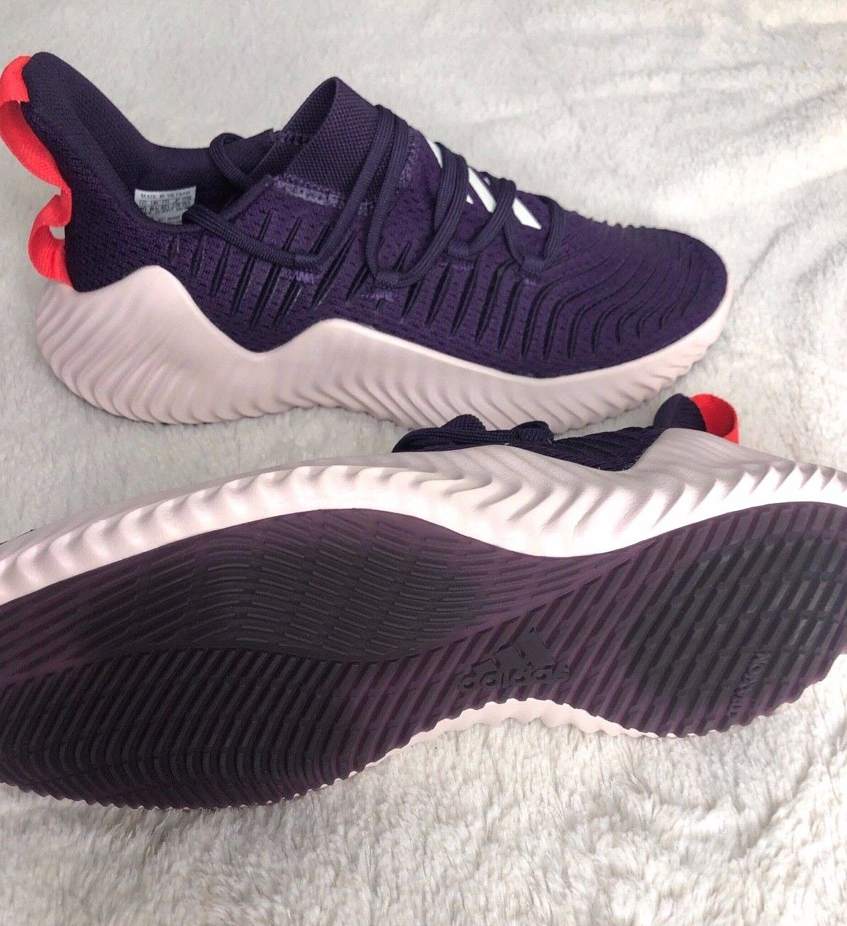 Adidas Women's Alpha Bounce Trainer Gym Shoes Size 10 BB9088