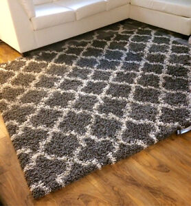 8x10 grey and white shag rug